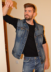 George Mitronikas model (μοντέλο). Photoshoot of model George Mitronikas demonstrating Fashion Modeling.Fashion Modeling Photo #215774