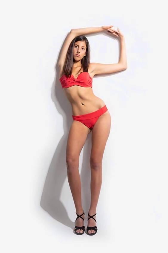 Georgia Papadoulaki model (Γεωργία Παπαδουλάκη μοντέλο). Photoshoot of model Georgia Papadoulaki demonstrating Body Modeling.Body Modeling Photo #223445