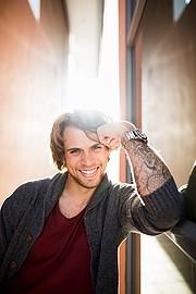 Gino Chiappini model. Photoshoot of model Gino Chiappini demonstrating Face Modeling.Face Modeling Photo #223312
