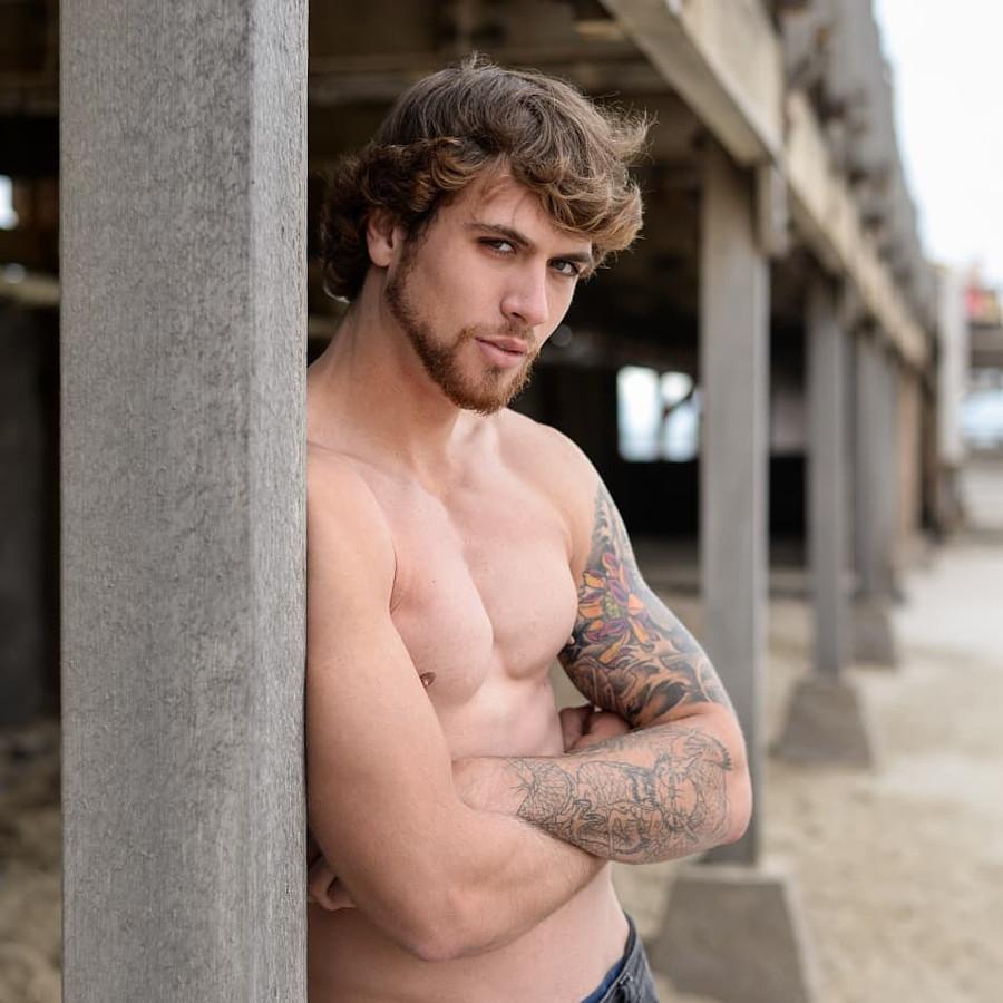 Gino Chiappini model. Photoshoot of model Gino Chiappini demonstrating Body Modeling.Body Modeling Photo #223377