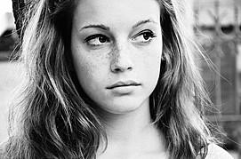 Giorgia Coccia model (modella). Photoshoot of model Giorgia Coccia demonstrating Face Modeling.Face Modeling Photo #147528