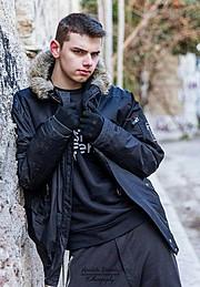Giorgos Mavrelis Μοντέλο