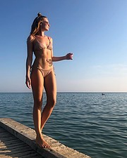 Giulia Nicole Magro model (modella). Photoshoot of model Giulia Nicole Magro demonstrating Body Modeling.Body Modeling Photo #214707