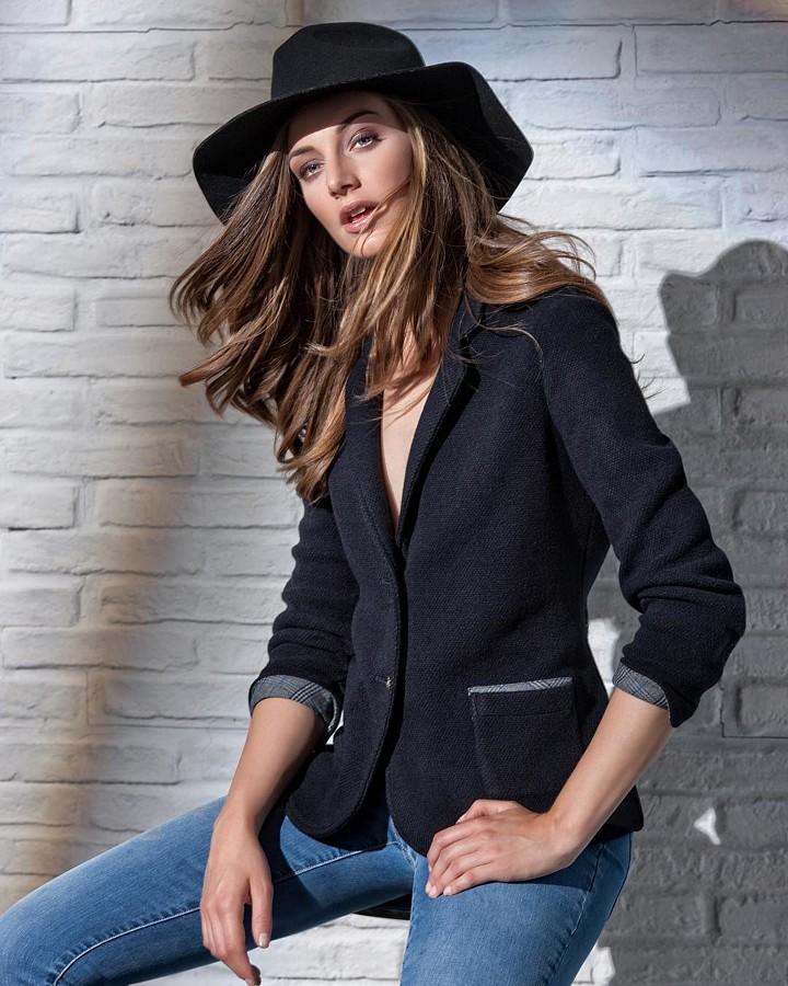 Giulia Nicole Magro model (modella). Photoshoot of model Giulia Nicole Magro demonstrating Fashion Modeling.@robertopagliani per @dismero.official qualcheFashion Modeling Photo #214709