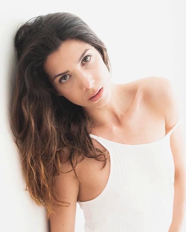 Giulia Ramires modella attore. Photoshoot of model Giulia Ramires demonstrating Face Modeling.Face Modeling Photo #197725