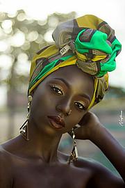 Grace Owoseni model. Photoshoot of model Grace Owoseni demonstrating Face Modeling.Face Modeling Photo #189606
