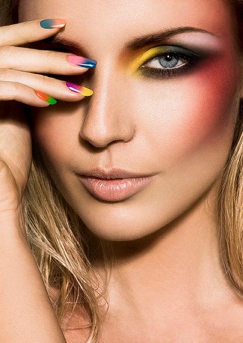 Guilaine Frichot makeup artist (maquilleur). Work by makeup artist Guilaine Frichot demonstrating Beauty Makeup.Beauty Makeup Photo #48701