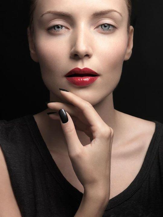 Guilaine Frichot makeup artist (maquilleur). Work by makeup artist Guilaine Frichot demonstrating Beauty Makeup.Beauty Makeup Photo #48719