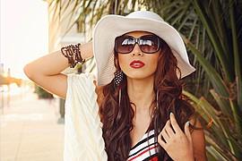 Hanna Joy model. Photoshoot of model Hanna Joy demonstrating Face Modeling.Face Modeling Photo #127453