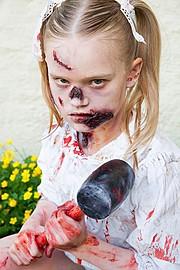 Hanna Laura Olafsdottir makeup artist & hair stylist (sminka & hársnyrtir). Work by makeup artist Hanna Laura Olafsdottir demonstrating Special Fx Makeup.Horror Film SFXSpecial Fx Makeup Photo #166470