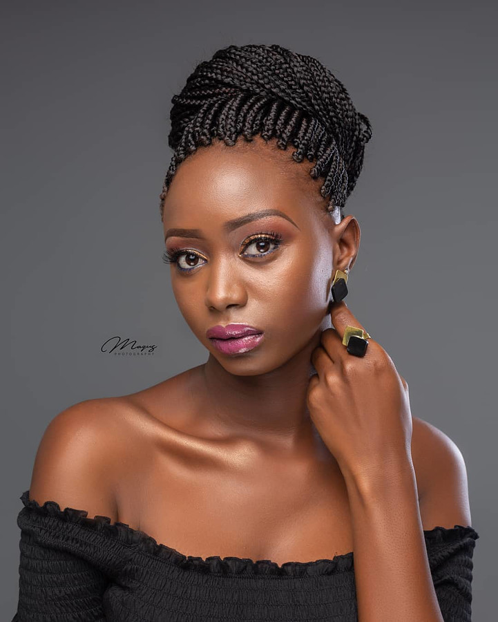 Hellen Mwanzia model. Photoshoot of model Hellen Mwanzia demonstrating Face Modeling.Face Modeling Photo #214617