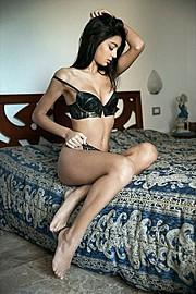 Hilary Merlini model (modella). Photoshoot of model Hilary Merlini demonstrating Body Modeling.Body Modeling Photo #183562