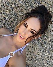 Hope Beel model. Photoshoot of model Hope Beel demonstrating Face Modeling.Face Modeling Photo #184893