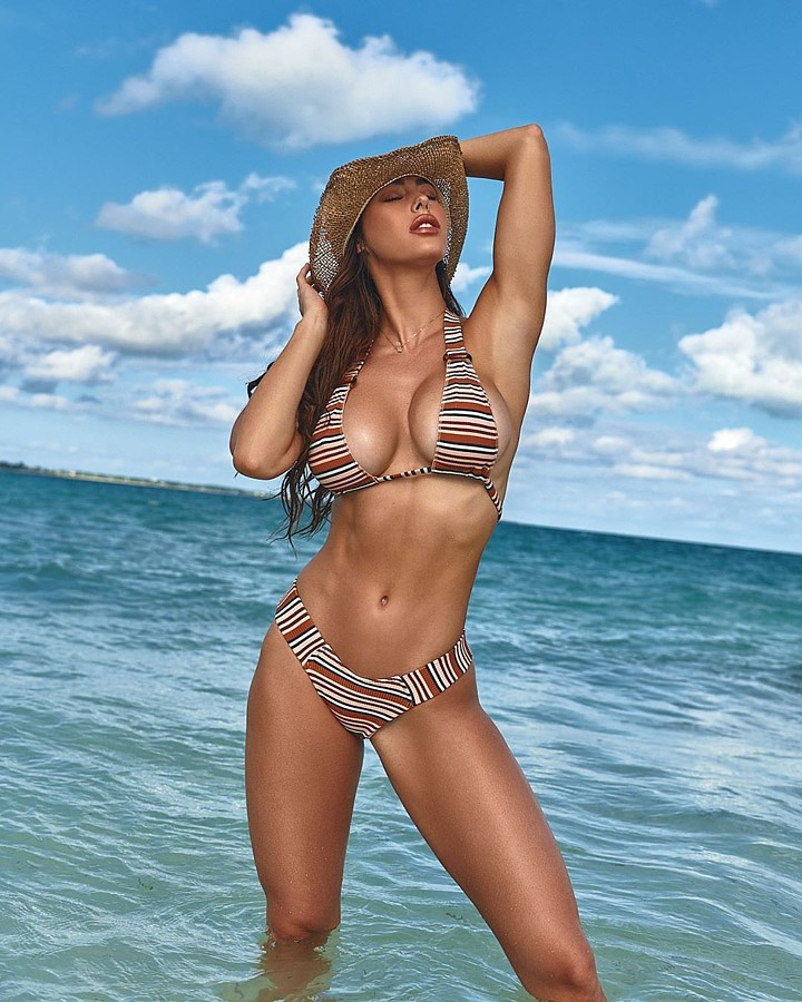 Hope Beel model. Photoshoot of model Hope Beel demonstrating Body Modeling.Body Modeling Photo #218384