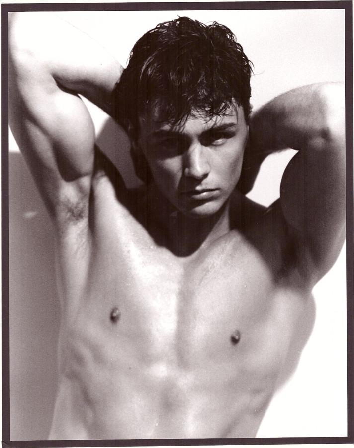 Ian Roberts model. Photoshoot of model Ian Roberts demonstrating Body Modeling.Loftus BurtonBody Modeling Photo #229019