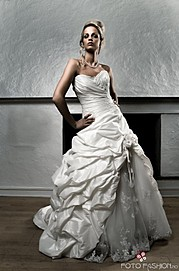 Ida Anette model (modell). Photoshoot of model Ida Anette demonstrating Face Modeling.Face Modeling Photo #84916