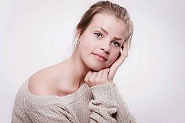 Ida Nykaas model (modell). Photoshoot of model Ida Nykaas demonstrating Face Modeling.Face Modeling Photo #85159