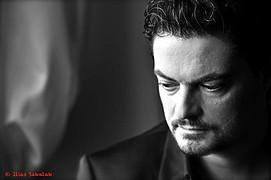 Ο Ilias Sakalak είναι ένας φωτογράφος στην Αθήνα διαθέσιμος για καλλιτεχνική φωτογράφιση μοντέλων/μουσικών/ηθοποιών, πορτραίτα καθώς και φωτ