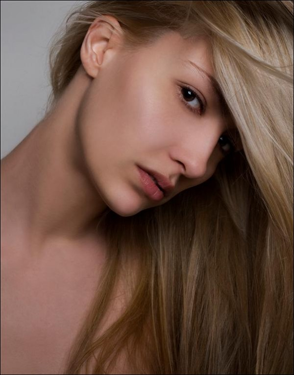 Ina Palama model (Ίνα Παλαμά μοντέλο). Photoshoot of model Ina Palama demonstrating Face Modeling.Face Modeling Photo #95661