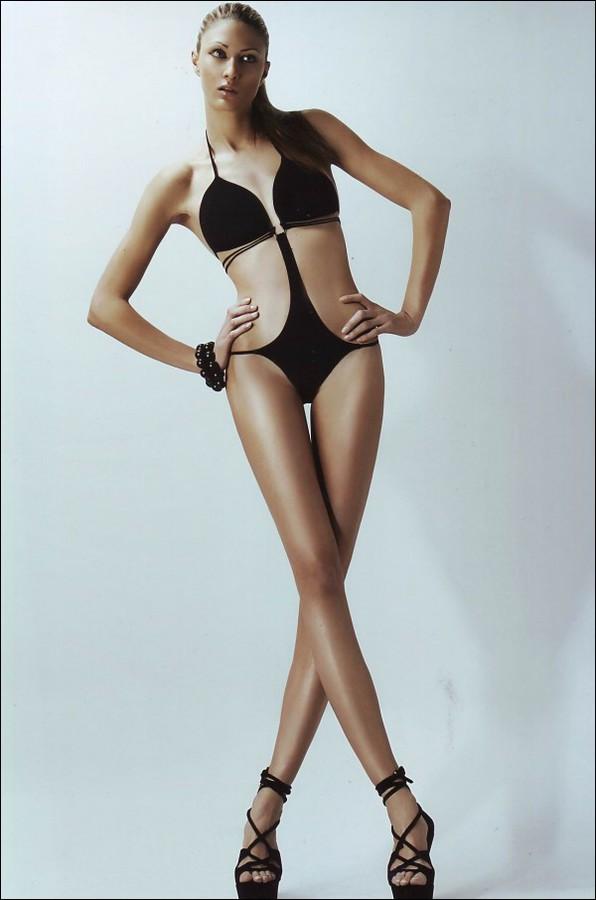 Ina Palama model (Ίνα Παλαμά μοντέλο). Photoshoot of model Ina Palama demonstrating Body Modeling.Body Modeling Photo #95667