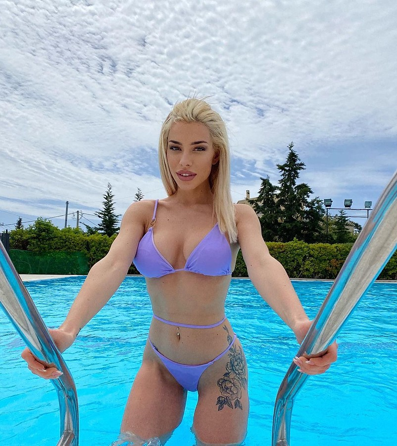 Irene Sterianou model (Ειρήνη Στεριανού μοντέλο). Photoshoot of model Irene Sterianou demonstrating Body Modeling.Body Modeling Photo #232108