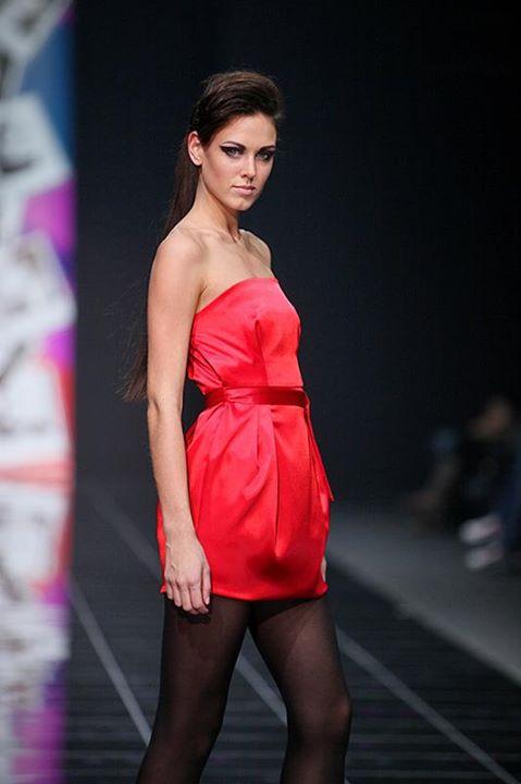 Irina Antonenko (Ирина Антоненко) model & actress. Photoshoot of model Irina Antonenko demonstrating Runway Modeling.Runway Modeling Photo #81784