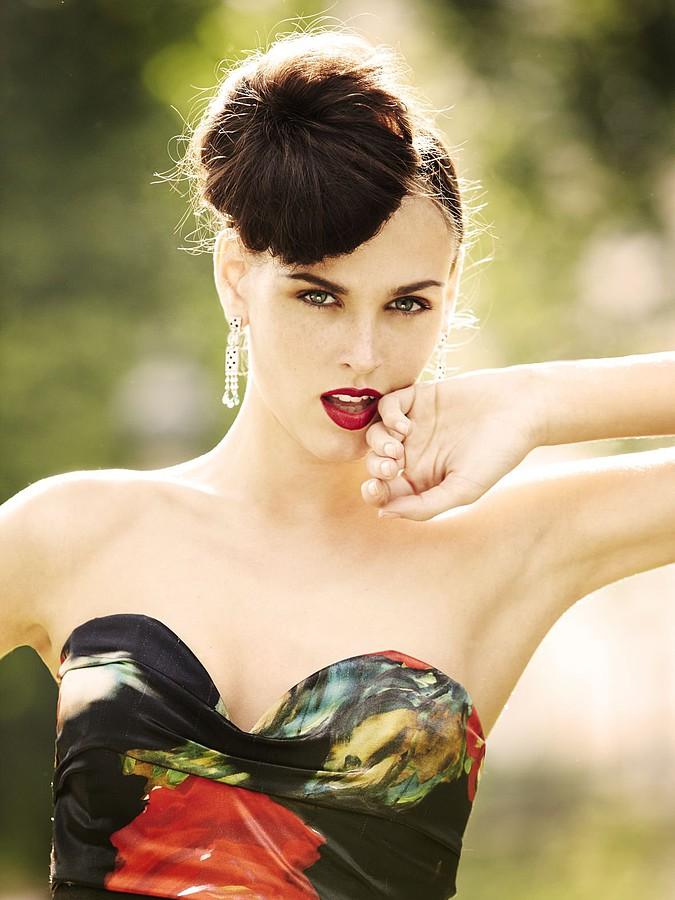 Idolmodels Moscow modeling agency (модельное агентство), Irina Antonenko (Ирина Антоненко) model & actress. Photoshoot of model Irina Antonenko demonstrating Face Modeling.Face Modeling,Women Casting Photo #81766