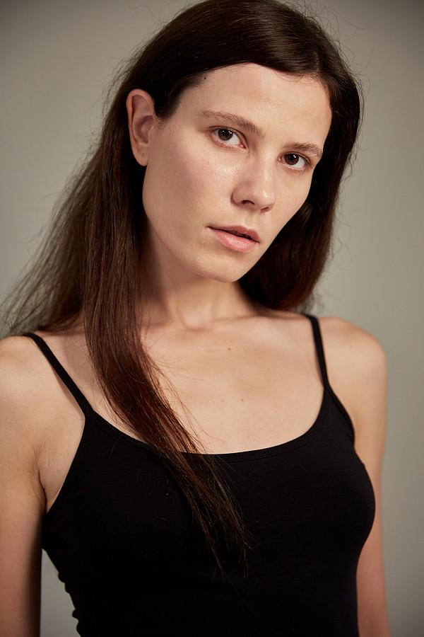 Irina Krupneva model. Photoshoot of model Irina Krupneva demonstrating Face Modeling.Face Modeling Photo #208809