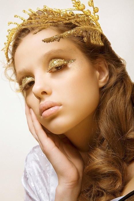 Irina Nikitina makeup artist & model (визажист & модель). Work by makeup artist Irina Nikitina demonstrating Creative Makeup.Eyelash ExtensionsCreative Makeup Photo #68989