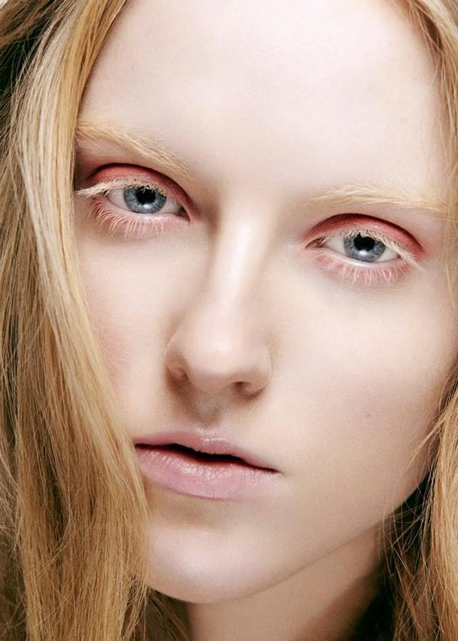 Isabella Leikanger Mork Makeup-Artist & Motestylist