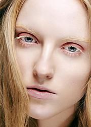 Isabella Leikanger Mork Makeup Artist & Fashion Stylist