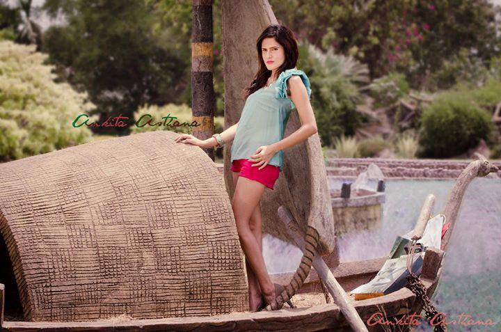 Isha Gupta fashion stylist. styling by fashion stylist Isha Gupta. Photo #131563