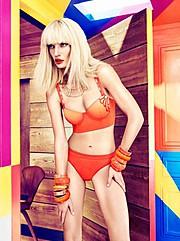 Isis Vaandrager fashion stylist (mode stylist). styling by fashion stylist Isis Vaandrager.Editorial Styling Photo #71245