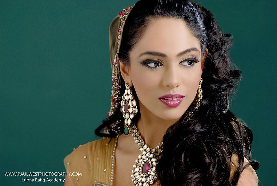 Ismat Saalim hair stylist & makeup artist. hair by hair stylist Ismat Saalim. Photo #59917