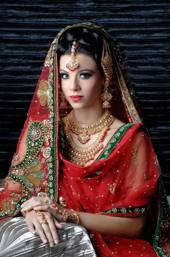 Ismat Saalim hair stylist & makeup artist. hair by hair stylist Ismat Saalim. Photo #59923