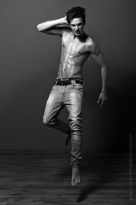 Ivan Mladenov photographer (fotograf). Work by photographer Ivan Mladenov demonstrating Body Photography.Body Photography Photo #92035