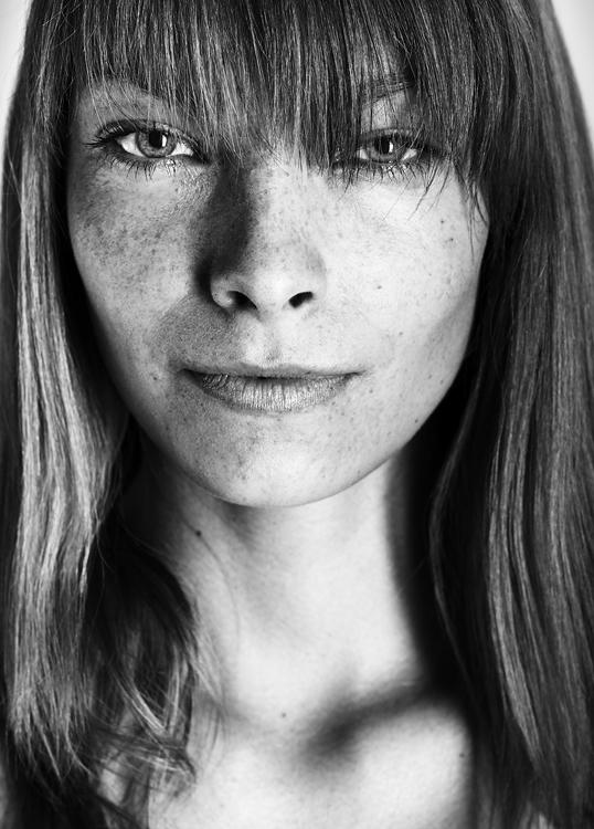 Ivan Mladenov photographer (fotograf). Work by photographer Ivan Mladenov demonstrating Portrait Photography.Portrait Photography Photo #92064