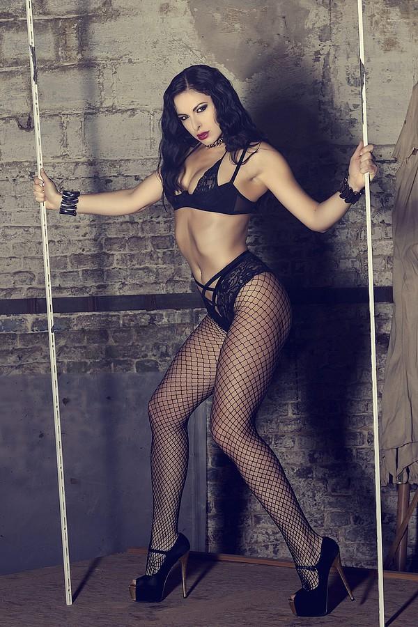 Ivana Cermakova (Ivana Čermáková) model & dancer. Photoshoot of model Ivana Cermakova demonstrating Body Modeling.Body Modeling Photo #109307