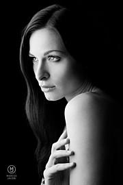 Ivana Cermakova (Ivana Čermáková) model & dancer. Photoshoot of model Ivana Cermakova demonstrating Face Modeling.Face Modeling Photo #183421