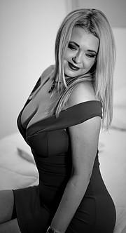 Ivana is a plus size model born in Serbia but the last ten years living in Greece!She began to work as a photo model for the project,, the g