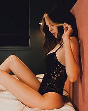 Ivy Scharler model. Photoshoot of model Ivy Scharler demonstrating Body Modeling.Body Modeling Photo #233402
