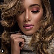 J Lynne Harris model. Photoshoot of model J Lynne Harris demonstrating Face Modeling.Face Modeling Photo #167363