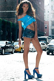 J Lynne Harris model. Photoshoot of model J Lynne Harris demonstrating Fashion Modeling.Fashion Modeling Photo #73614