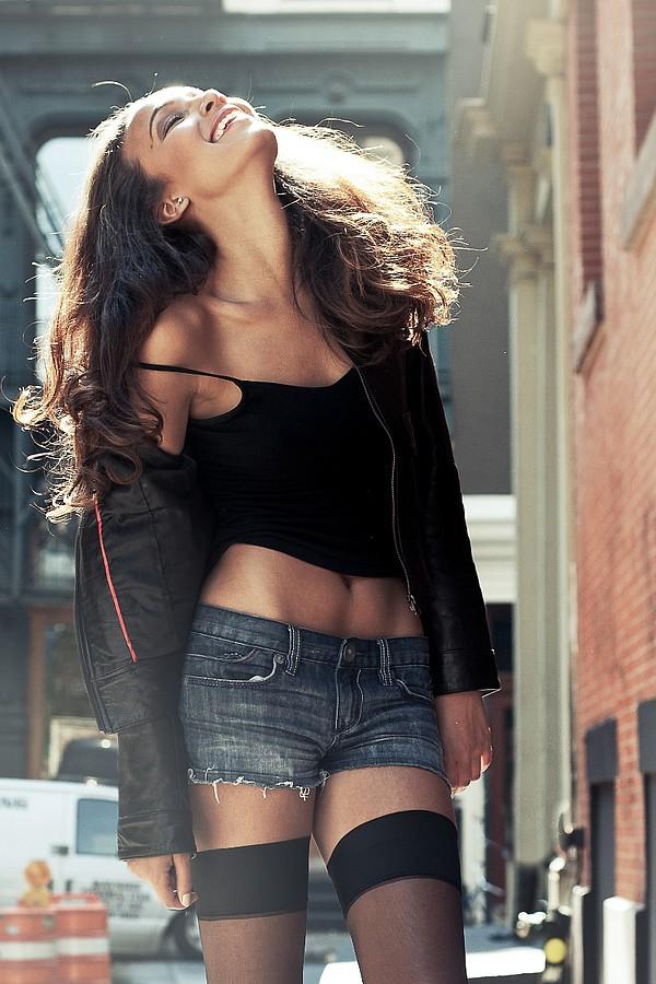 J Lynne Harris model. J Lynne Harris demonstrating Fashion Modeling, in a photoshoot by Tony Ellis.Jean ShortFashion Modeling Photo #73645