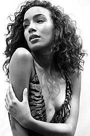 J Lynne Harris model. Photoshoot of model J Lynne Harris demonstrating Face Modeling.Face Modeling Photo #94935