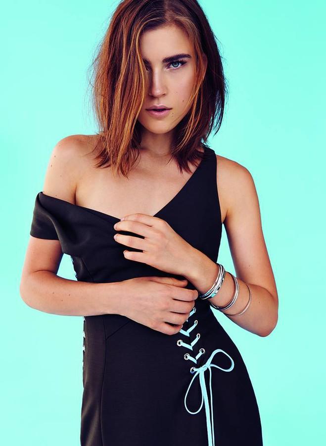Jana Knauerova model. Photoshoot of model Jana Knauerova demonstrating Fashion Modeling.Fashion Modeling Photo #112712