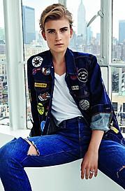 Jana Knauerova model. Photoshoot of model Jana Knauerova demonstrating Face Modeling.Face Modeling Photo #112723