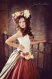 Jana Kvaltinova (Jana Kvaltínová) photographer. Work by photographer Jana Kvaltinova demonstrating Fashion Photography.Fashion Photography Photo #106233