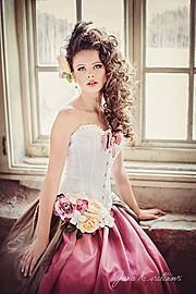 Jana Kvaltinova (Jana Kvaltínová) photographer. Work by photographer Jana Kvaltinova demonstrating Fashion Photography.Fashion Photography Photo #106234