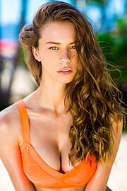 Janaina Reis model (modelo). Photoshoot of model Janaina Reis demonstrating Face Modeling.Face Modeling Photo #147461